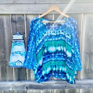Laura plus 16+ light blouse for summer
